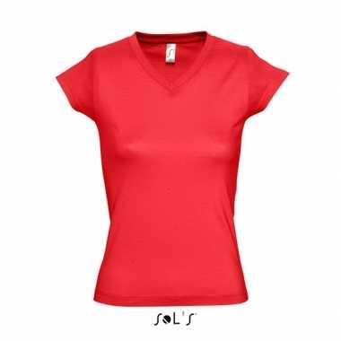 Goedkoop dames shirts v hals bodyfit rood carnavalskleding
