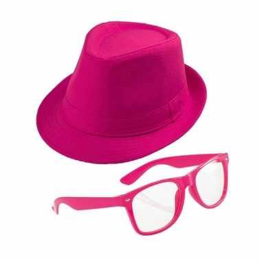 Goedkoop roze verkleedsetje hoed bril volwassenen carnavalskleding