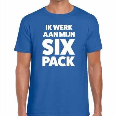Goedkoop toppers ik werk aan mijn six pack heren t shirt blauw carnav