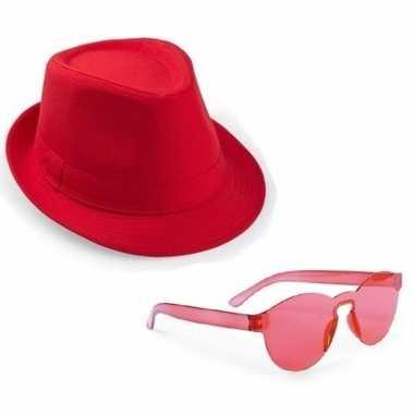 Goedkoop toppers rood trilby party hoedje rode zonnebril carnavalskle